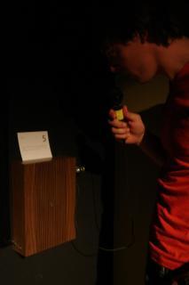 Drift (Sofian Audry, 2007), objet électronique sonore présenté à V2, Rotterdam